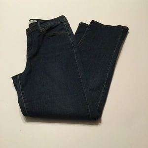 Levi's 512 Straight Leg Perfectly Slimming size 29